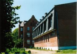 Budynek Szkoły Podstawowej w Popielowie.jpg