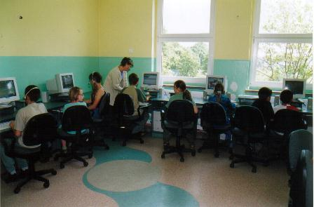 sala komputerowa w PSP w Karłowicach.jpg